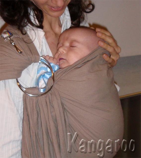 """""""barriga con barriga"""" con bebé de 1 mes"""